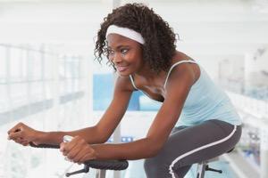 3 superenkla övningar på träningscykeln vi älskar (med RPM)